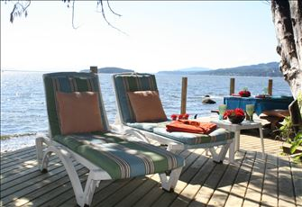 Beach Suite - Enjoy Huge Sundecks Right on the Water