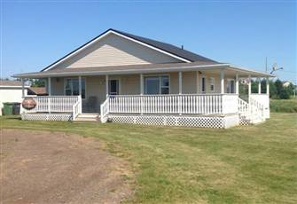 Beautiful 1100 Sqft Single Story 3 Bedroom Cottage in Darnely, Prince Edward ISL