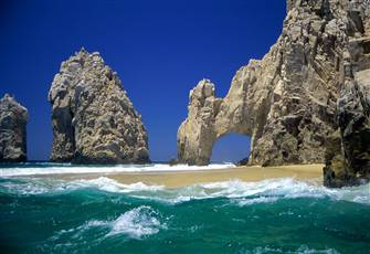 Prime Beach Location Condo--4 Minutes to Medano Beach and Close to Downtown Cabo