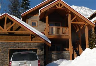 Ski Lodge Fernie Alpine Trails - Private Hot Tub with Mountain Views