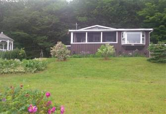 Charming Lakeview Cottage 25 Min from Truro