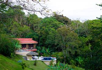 Living with Nature in the Tropica Rain Forest of Costa Rica