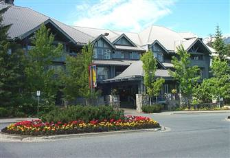 Best Upper Village. 2bedr, 2bathr, Family Friendly, Ski-in-out, Pool, Hottubs,