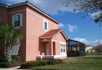 Town home (4 bedroom) with private pool on beautiful resort close to Disney