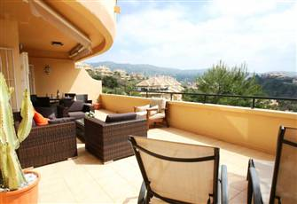 Prime Position Apartment in Marbella. Huge Terrace, Views & Close by Beach