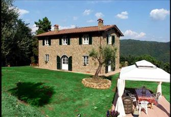 Charming and Elegant Villa with Private Pool and Big Panoramic Garden near Lucca