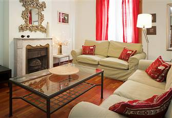Pretty Apartment at Gran via Chueca Perfect Location for Exploring Madrid