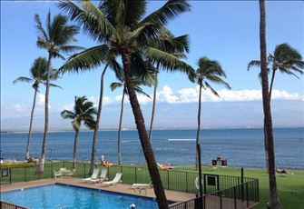 Spectacular Oceanfront View, Immaculate 2-Br/Ba-- Maalaea, Maui