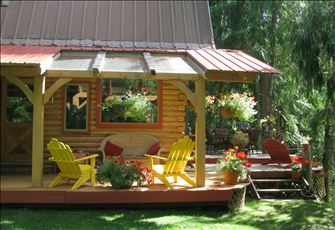 Kaslo Getaway Vacation Rental - Summer Special, Stay for 7 Nights but Pay for 6!