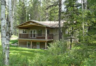 This Beautiful Vacation Home is in a Very Private Location near Rosebud Lake
