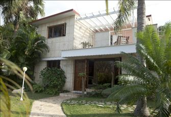 Havana: Luxury Villa with Jacuzzi and Waterfall