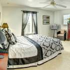 Second Master Ensuite Bedroom with Queen Bed & Tv