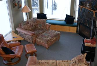 Eagles Corner Unit, Ski in/Ski out, Steps Away from Village. Free Wifi. No Tax!