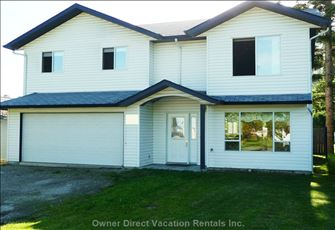 Shuswap Lake 4 Bedroom Home in Canoe, B.C.