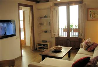 Luxurious & Cozy 2 Bedroom Apartment in the Epicenter of the Old Town