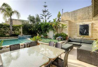 Exceptionally well Converted 300 Year Old Town House in the Centre of Malta
