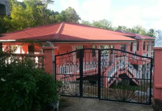 Fully Furnished 4 Bedroom, 2 Bathroom House in a Quiet Countryside Setting