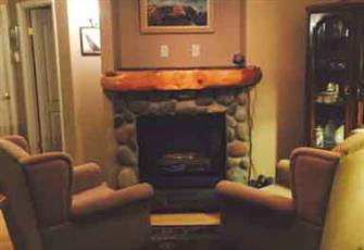 Gorgeous 1300 Sq Ft Condo 5 Minutes from Fernie Alpine Resort