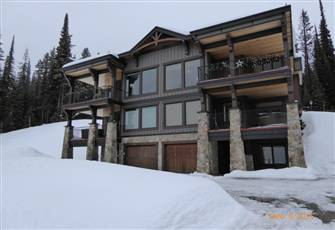Excellent Ski-in/Ski-out Four Bedroom Duplex on the Ridge.