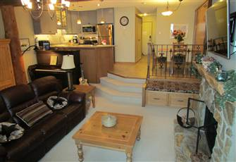 Very Large Studio (950 Sq Ft), Sleeps 4, Soaker Tub, New Kitchen, Dog Friendly