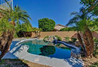 Resort Style Sunshine Home - Private Pool, New Kitchen, Travertine Floor & more!