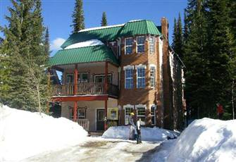 4 Bedroom Home  5 Minutes Walk/Ski to Village.  Pet Friendly - Private Hot Tub