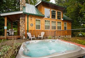 This Wonderful 2 Story Cabin is Perfect for your Family Vacation Needs