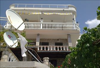 Very Nice Fully Furnished Self-Catering Apartment in Villa Overlooking the Sea