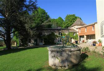 4-Room Gite with Pool (Private) & Vineyard  in Chateau Le Cleret