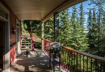 Beautiful Cozy one Bedroom Suite with Gorgeous Views of the Monashee Mountains