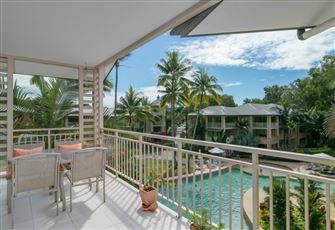 Spacious Unit with Best View of Mantra Resort Pool at Palm Cove