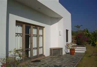 Comfortable Granny/Apmt. With Large Private Pool in a Tropical Paradise