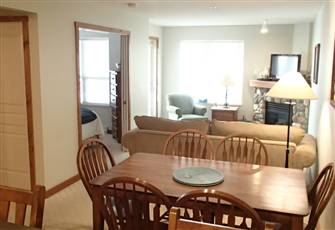 Throw a Snowball to the Chairlift from your Balcony. 2 Bed/1 Bath Condo (Max 7)