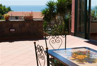 Elegant and Spacious Villa with Garden - View on Sorrento and Amalfi Gulf