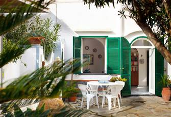 Casa Fanny in Capri Island, House in the Typical Caprese Style
