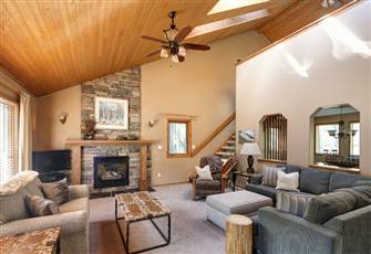 Luxurious Mountain Chalet Just 500 Yards from Ski Lift and Day Lodge