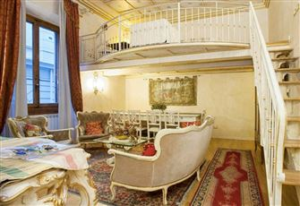 Medici Suite up to 8 Person behind the Duomo