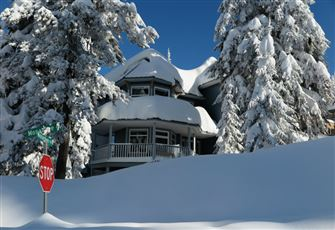 Spacious, Flexible, Family-Friendly Accommodation. True Ski-in/Ski-out Access