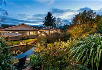 Private Enchanting Estate. Stunning Views,  Minutes from Butchart Gardens