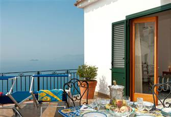 Welcome to our Charming Apartment in Praiano