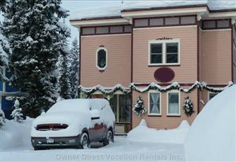 Excellent Ski in/out from this Beautiful Clean and Private Home. Sleeps up to 8