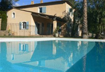 6 Bedrooms Villa with a Fully Secured Large Swimming Pool in a Very Quiet Place
