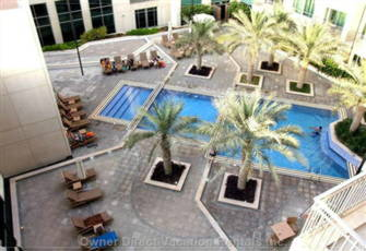 Burj Views - Pool Area