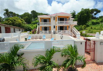 Luxury Vacation Villa with Pool on the South Coast Maxwell Beach Area