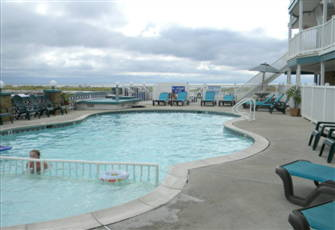 Monterey Resort - Swimming Pool