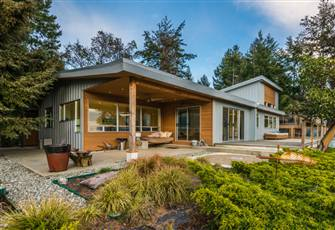 Beautiful House on Gabriola Island