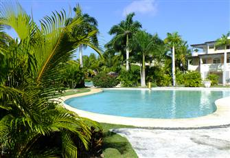 Dominicus Beach, Family Apartment in Residence with Pools and Tropical Garden