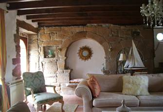 Character Stone Farmhouse in Megrit; 20 Minutes to Dinan, Half Hour to Beaches