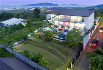Modern Private 8 Bedrooms Villa Nap Dau Crown
