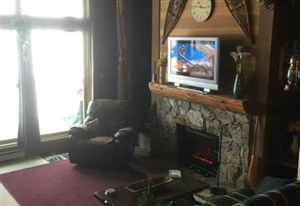 Rustic but Classy Deluxe one Bedroom Condo at Big White Ski Village